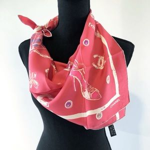 Vintage CHANEL Scarf made in Italy